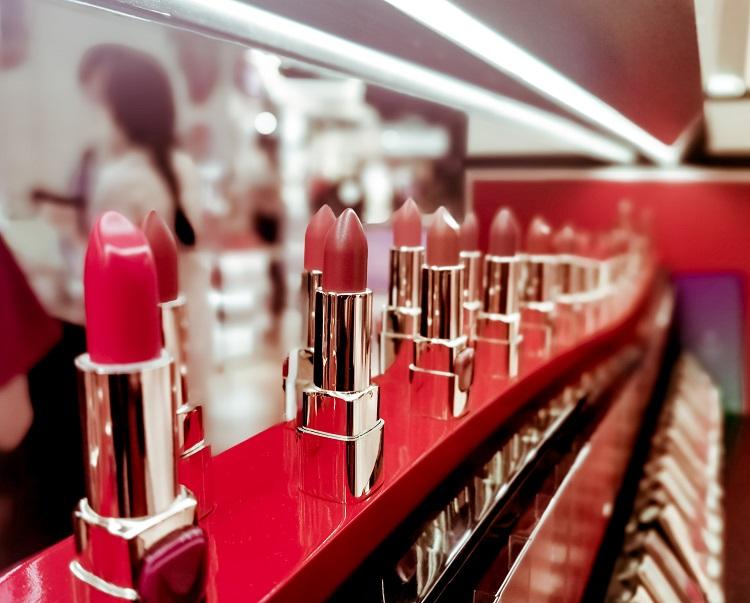 化粧品OEMで重要なパッケージデザイン