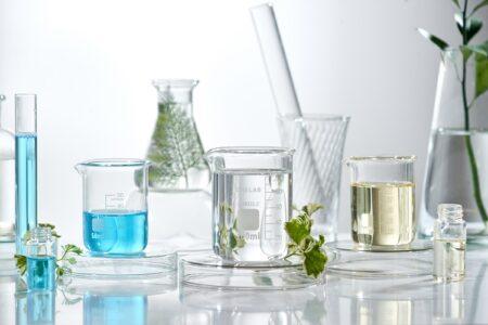 化粧品のベース成分について詳しく解説
