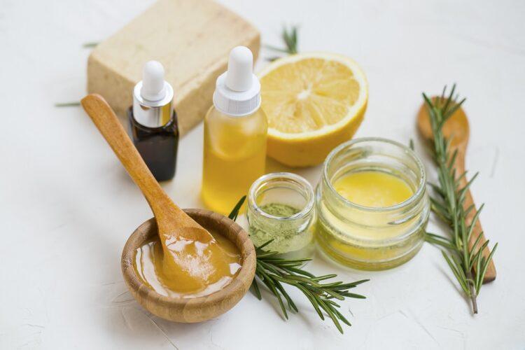 化粧品の働きはベース成分が骨組みとして支えている