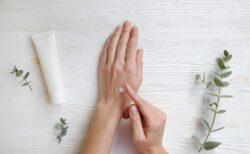 化粧品に粘性を与える増粘剤やポリマーについて