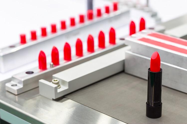 オリジナルメイクアップ製品を100個からの小ロット製造が可能なOEMメーカー