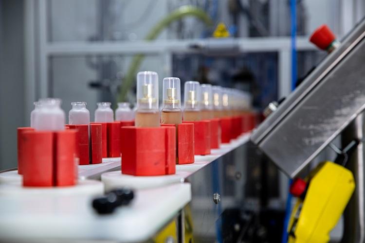得意ジャンル・専門性の高い製造ラインを持つ化粧品OEMメーカー