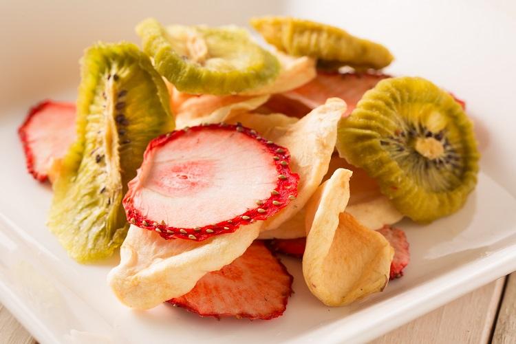 フルーツルーツのドライフルーツは国産有機栽培