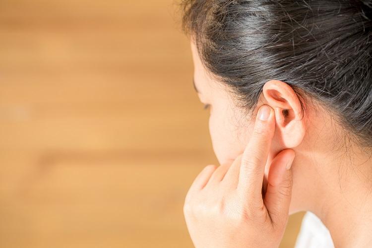耳鳴りに悩む人は多い